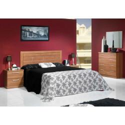 Dormitorio completo. Cabecero 135/150, 2 mesitas, cómoda y espejo.