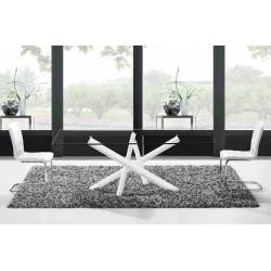 Mesa. 180 x 100 cm.